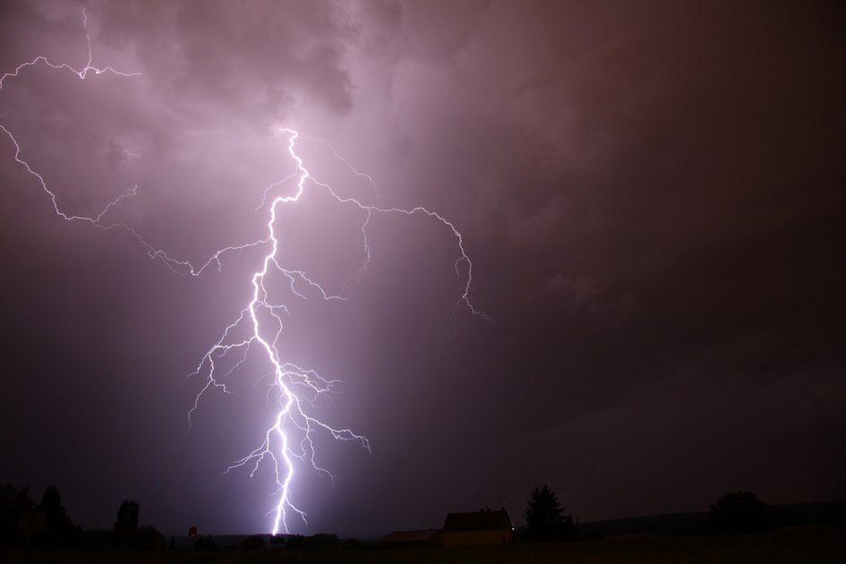 Blitzeinschläge sind häufig die Ursache für Brände